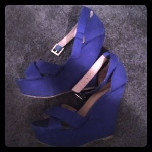JustFab size 6.5 bright blue wedges